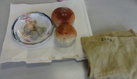 ヨモギ団子、パン、染め